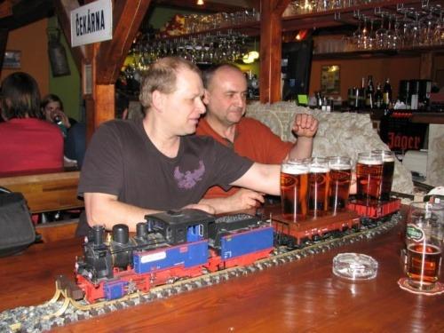 Bar als Eisenbahn