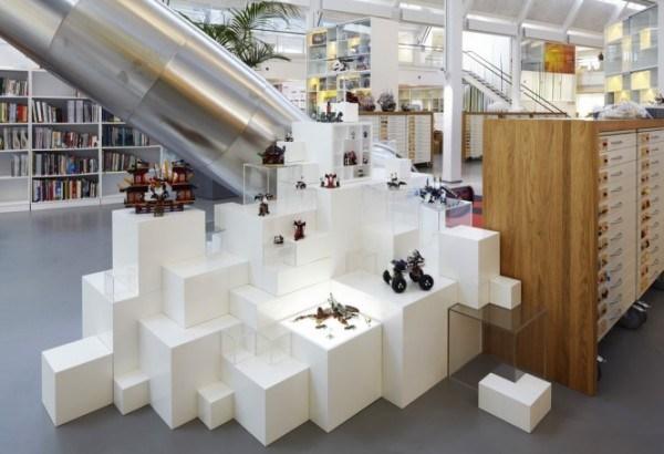 Der Hauptsitz der LEGO-Firma 10