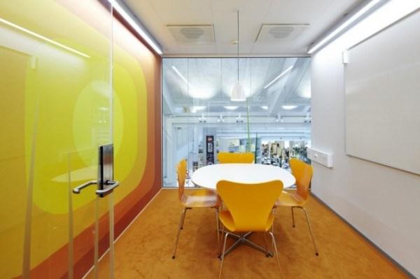 Der Hauptsitz der LEGO-Firma 11