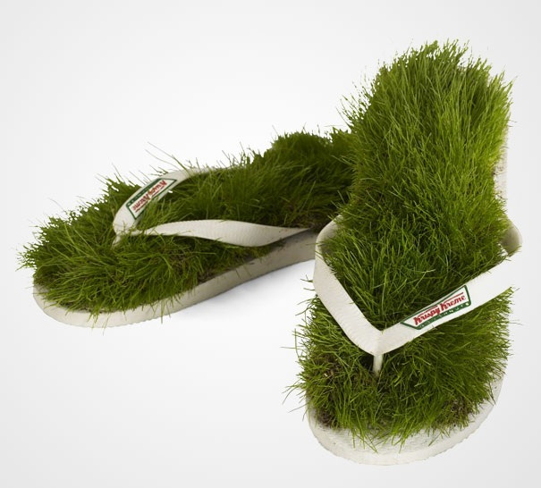 Sandalen aus Gras