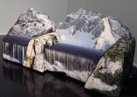 Sofa als Wasserfall