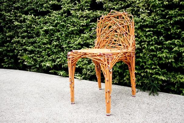 Stuhl aus Bleistiften