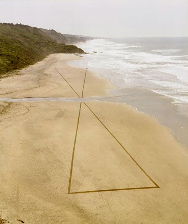 Zeichnungen auf dem Sand 04