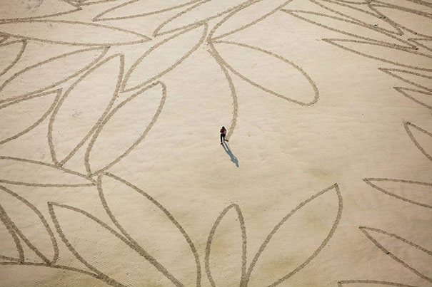 Zeichnungen auf dem Sand 12