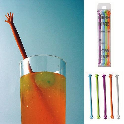Hand-Stock zum Mixen von Cocktails