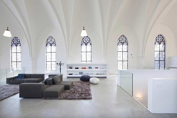 Haus in der Kirche 1