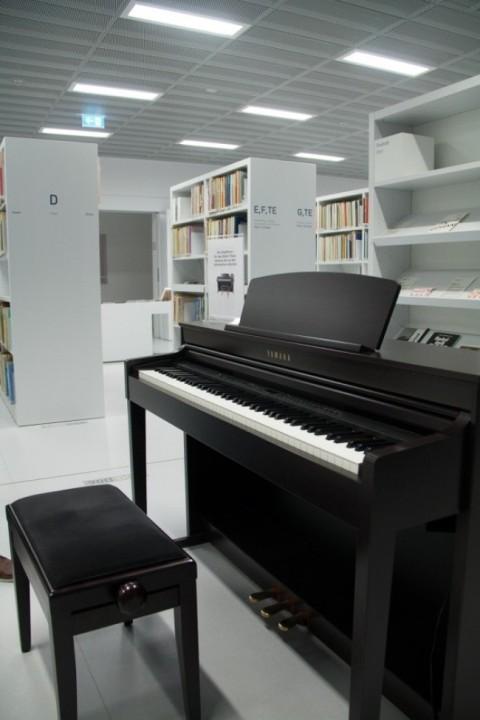 Moderne Bibliothek in Stuttgart 02