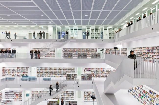 Moderne Bibliothek in Stuttgart 05