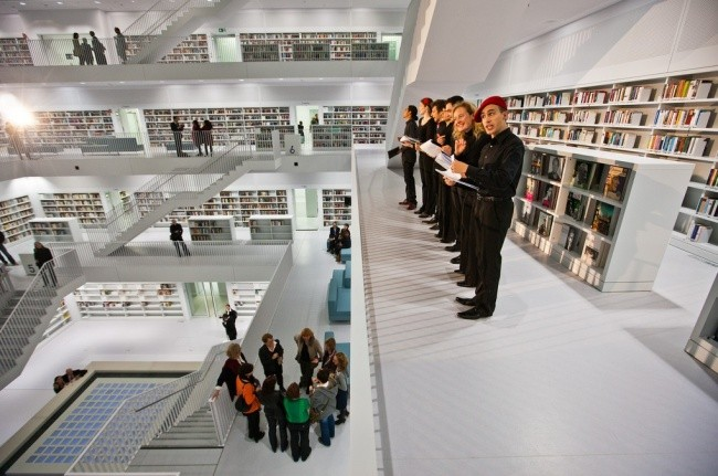 Moderne Bibliothek in Stuttgart 06
