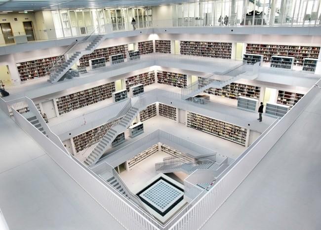 Moderne Bibliothek in Stuttgart 08