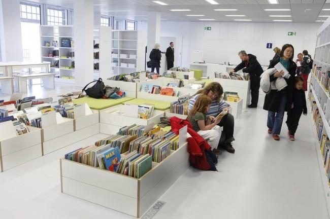 Moderne Bibliothek in Stuttgart 10