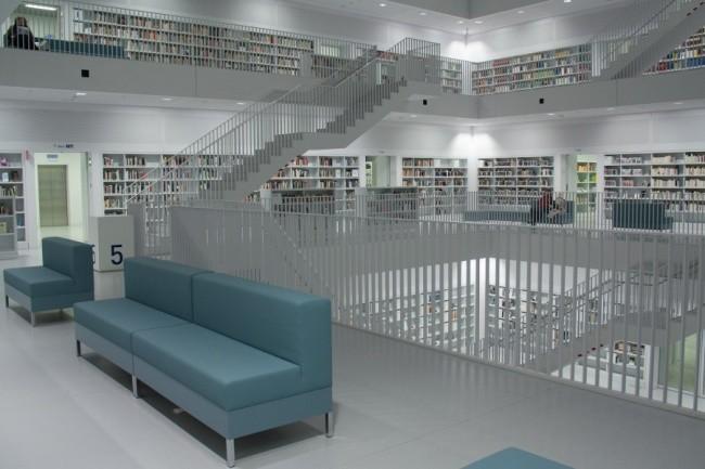 Moderne Bibliothek in Stuttgart 17