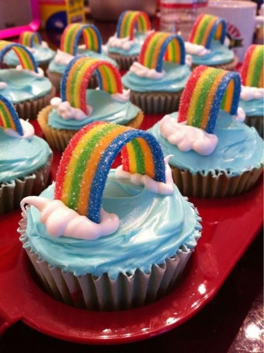 Regenbogen-Cupcakes
