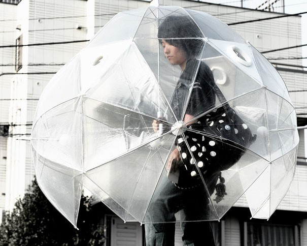 Regenschirm fuer den ganzen Koerper