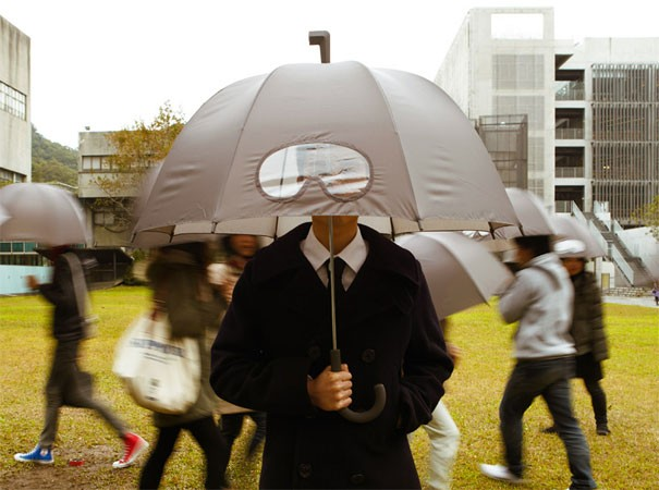 Regenschirm mit Brille 1