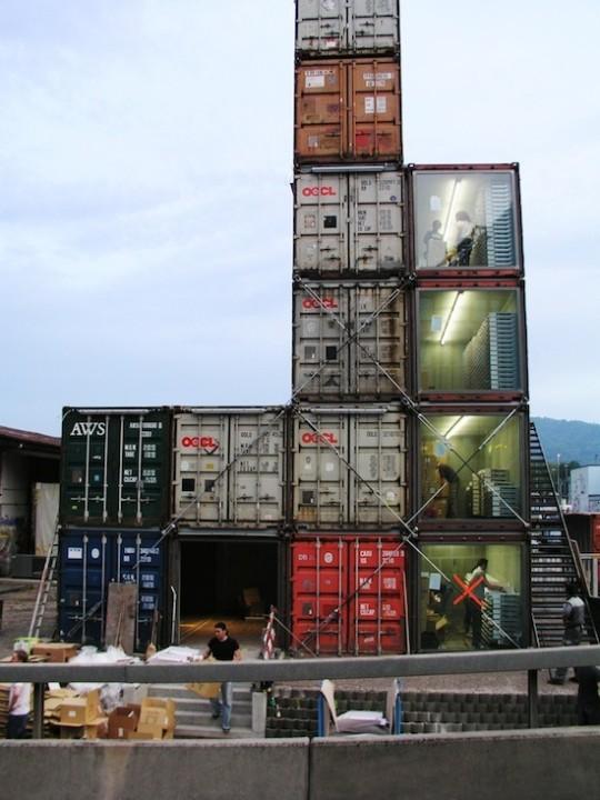 Shop aus den Containern