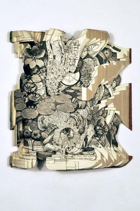 Skulpturen aus Buechern 07