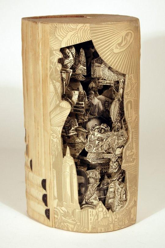 Skulpturen aus Buechern 25