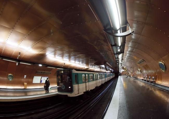 Station Kunst und Gewerbe in Paris