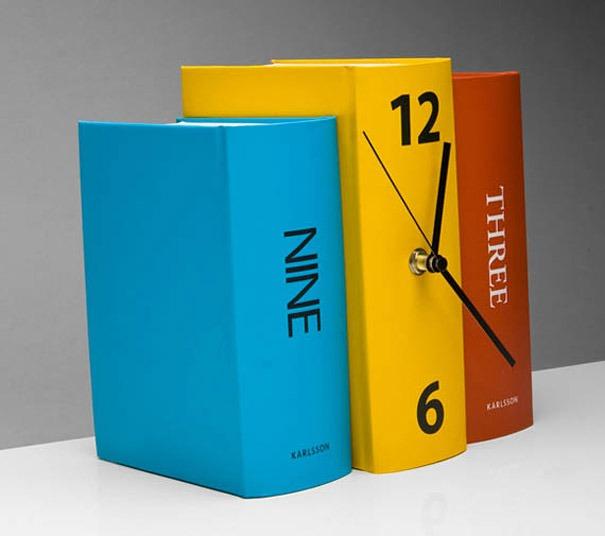 Uhr als ein Buch