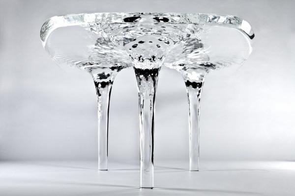 fluessiger Tisch