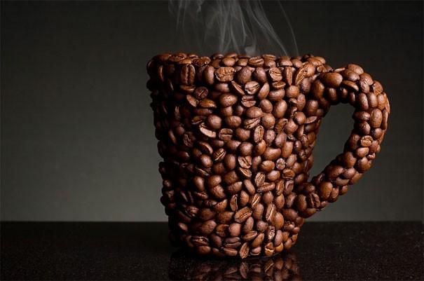 Becher, komplett aus Kaffeebohnen gemacht