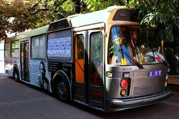 Bibliothek im Trolleybus 4