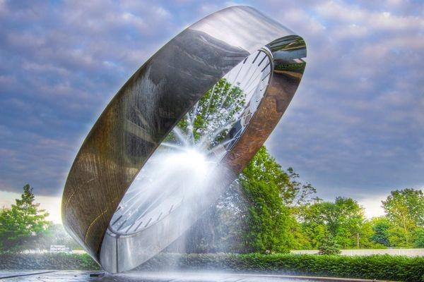 Fountain 71