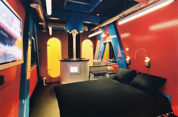 Hotel in einem Dock-Kran, Niederlande 1