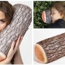 Kissen als ein Stueck Holz