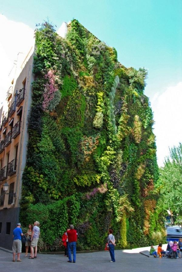 Gartengestaltung ideen vertikale g rten begr nung und for Jardin vertical caixaforum madrid