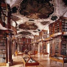 Stiftsbibliothek St. Gallen in der Schweiz 1