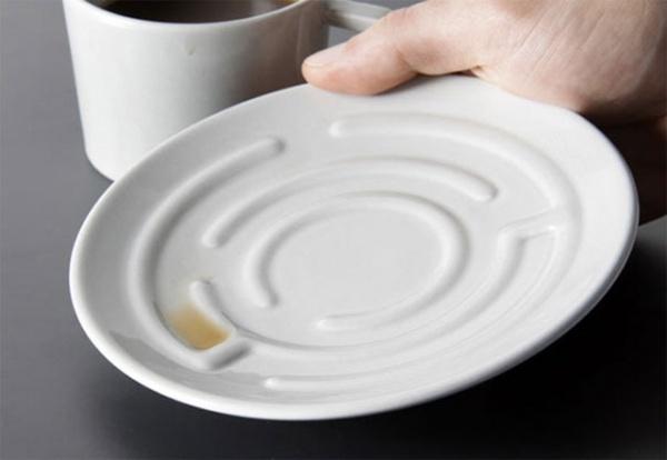 Tasse mit Labyrinth-Untertasse von Designer Erdem Selek 1