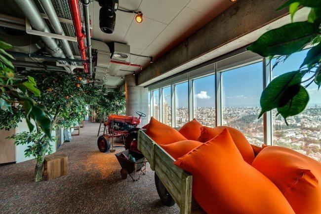 Amt Google mit herrlichem Blick auf Tel Aviv