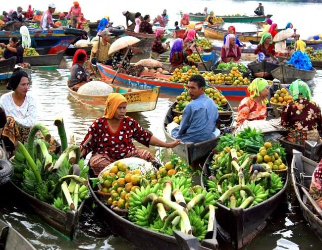 Einkaufen auf dem Wasser 1