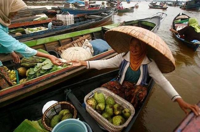 Einkaufen auf dem Wasser 2