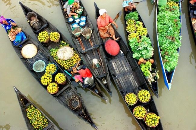Einkaufen auf dem Wasser