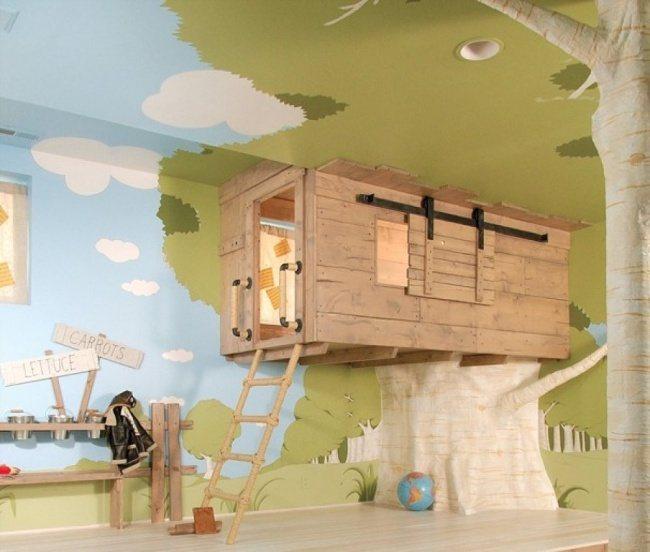 Baumhaus im Kinderzimmer eingerichtet