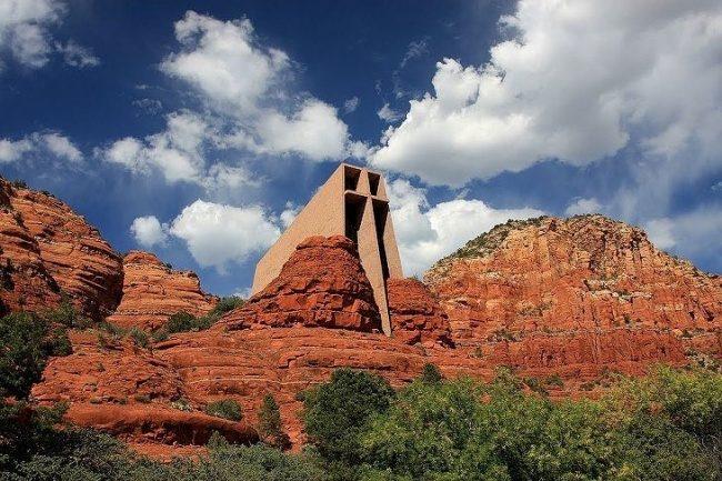 Kapelle im Felsen