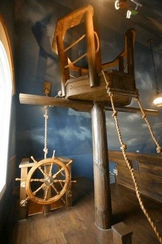 Piratenschiff im Schlafzimmer fuer einen Jungen 1