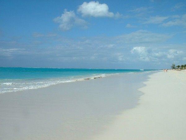 2. Grace Bay, Insel Providenciales, das britische UEberseegebiet Turks- und Caicosinseln