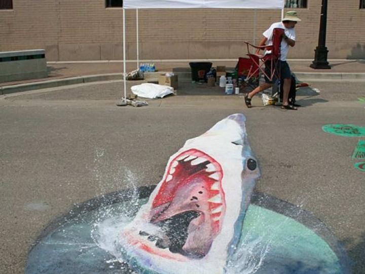 Bürgersteig-Kunst-Shark