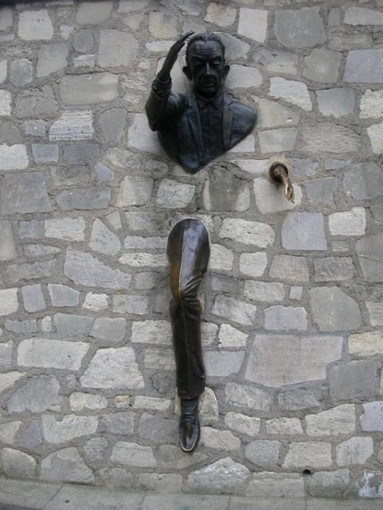 Der durch Wände geht, Paris