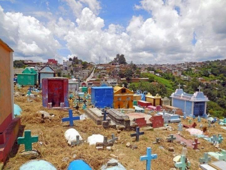 Farbiger schöne Friedhöfe in Guatemala 8