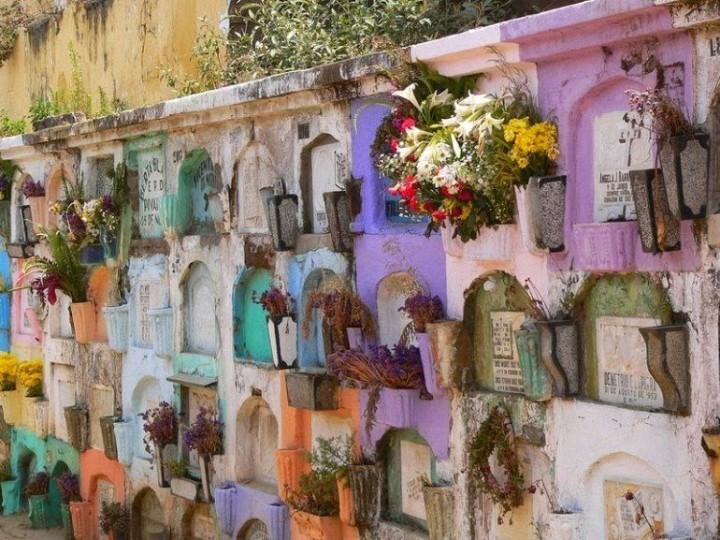 Farbiger schöne Friedhöfe in Guatemala 9