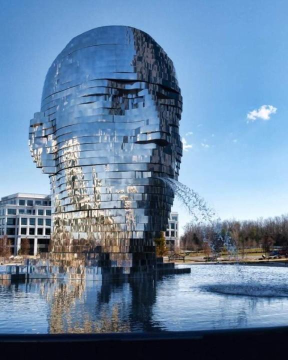 Metalmorfoza in Charlotte