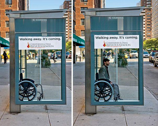 Rollstuhlfahrer Bus Stop Ad