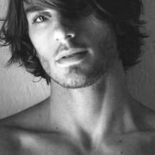Coole Frisuren für lange Haare Männer