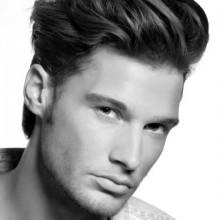 Frisuren für Jungs mit dicken Haaren