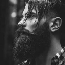Frisuren für Männer lange Haare